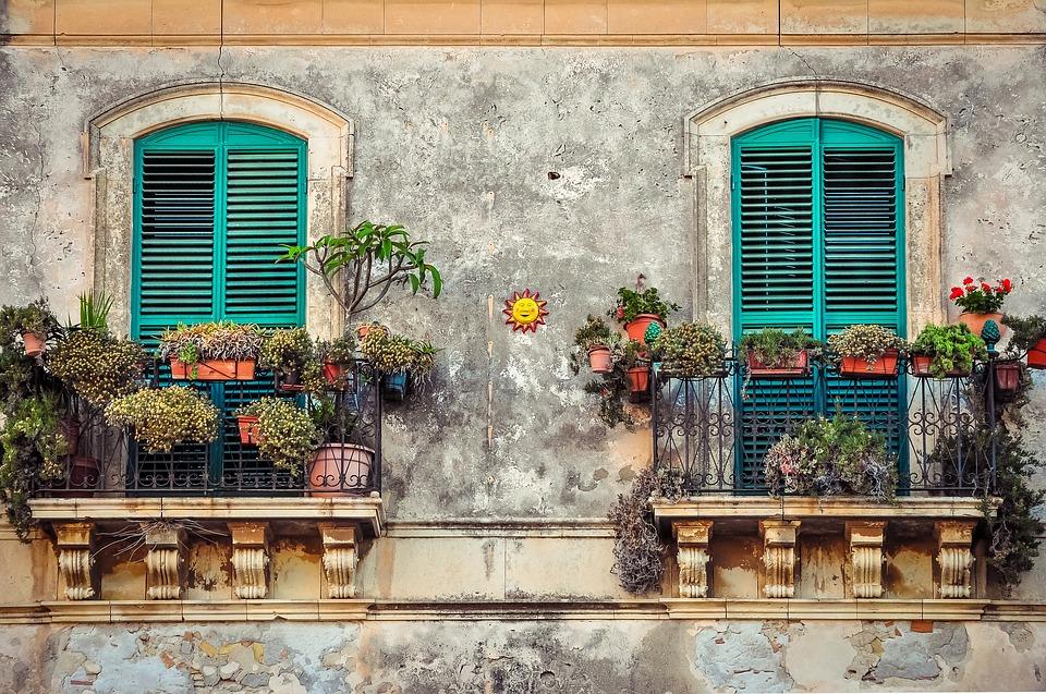 Pezsgő és gyertya – Búcsú egy kedves szomszédtól