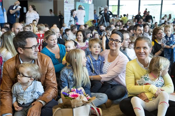 A családvédelmi akcióterv négy új eleme indul július 1-jén