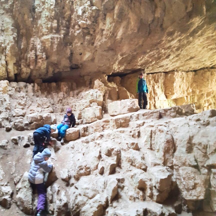 Egy izgalmas kirándulóhely: Szelim-barlang
