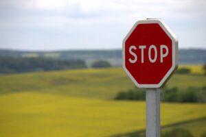 Stop tábla koronavírus