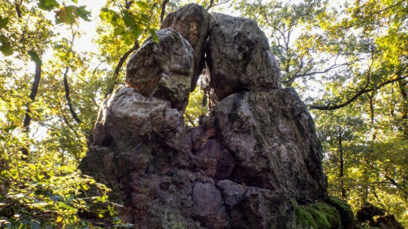 Családi túrák – Lyukasóra a Likas-kőnél (Velencei-hegység)